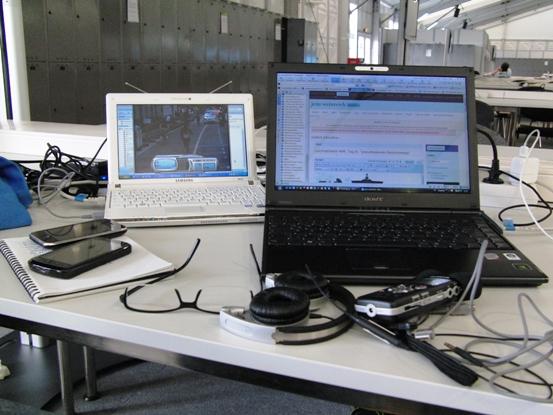 Arbeitsplatz im Pressezentrum