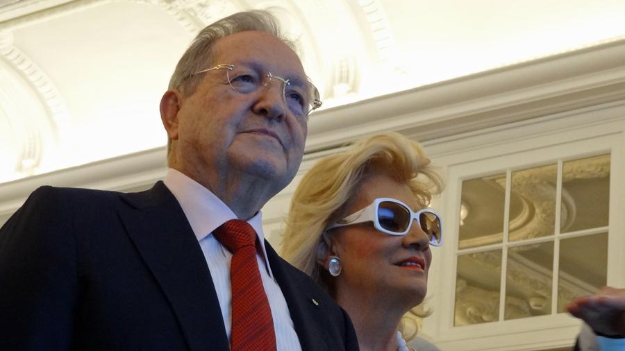 Olegario Vázquez Raña mit Gattin María de los Ángeles Aldir de Vázquez in Lausanne