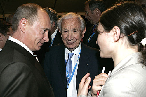 Guatemala, 2007, IOC Session: Vladimir Putin, Juan Antonio Samaranch, then IOC Honorary President (Photo: President of Russia)