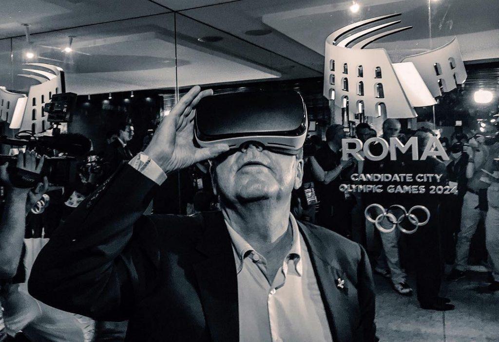 Back to the Future oder Blick in die Vergangenheit? IOC-Vorsteher Bach im Casa Italia. (Foto: Stratos Safioleas/Instagram)