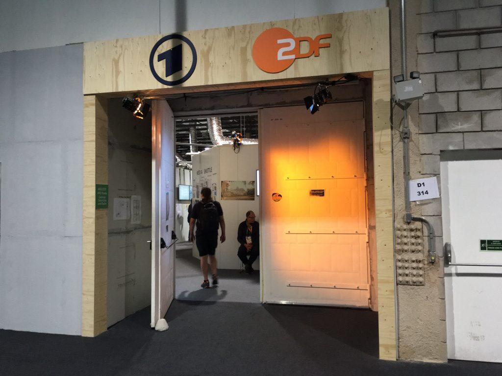 Eingang zu den heiligen Hallen des Teams ARD/ZDF in der ersten Etage des International Broadcasting Centers.